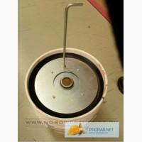 Стальная крышка-пресс для заправки герметиком монтажного пистолета.