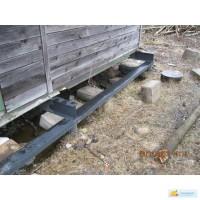 Ремонт устаревшего фундамента, подъем дома на винтовых сваях
