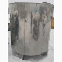 Емкость нержавеющая, объем - 3 куб.м., вертикальная, рубашка, термос